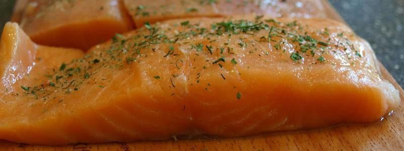 Lachsfilet aus Aquakultur