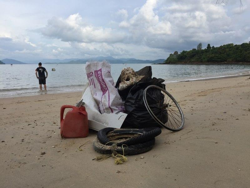 Plastikmüll am Strand ozeankind