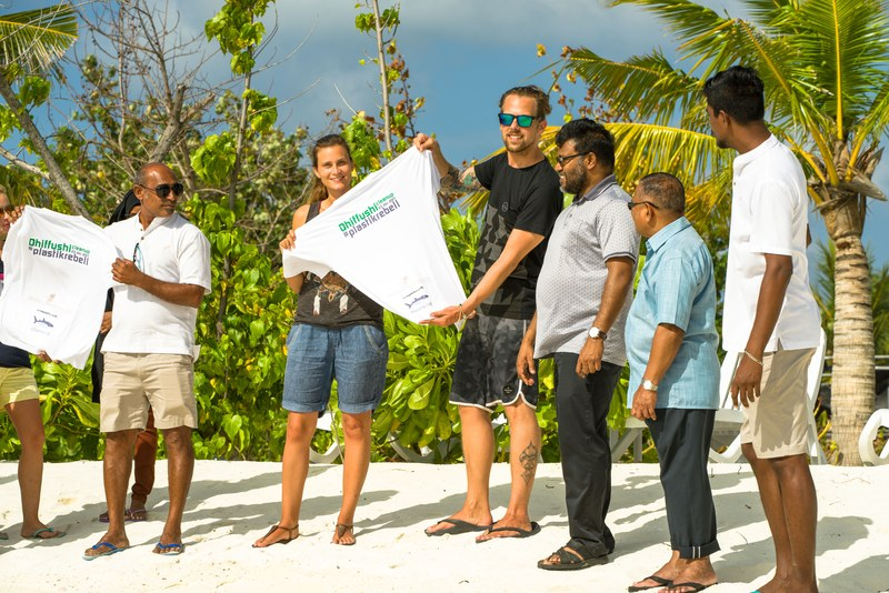 CleanUp on Maldives